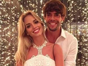 '2015년 이혼' 카카, 새 여자친구는 브라질 모델?