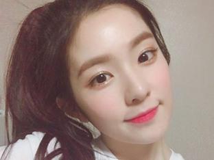 '레드벨벳' 아이린, 벚꽃처럼 화사한 셀카 투척 '희귀템'