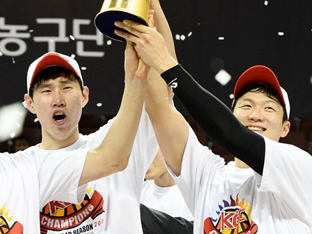이정현-오세근, MVP는 누가 받는 게 맞을까?