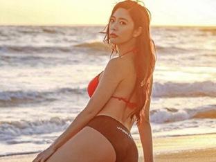 클라라, 적나라한 비키니 뒷태…'엉덩이 라인 대박'