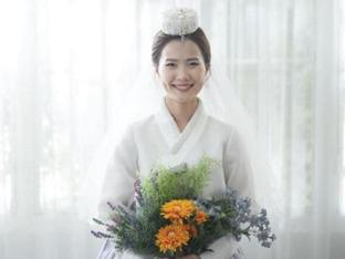 '안경 선배' 김은정이 직접 공개한 결혼 사진 6장