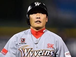 SK 조동화, 18년 간의 선수 생활 마치고 은퇴 선언