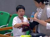 '울보 소년' 시구자 초청, SK 스토리를 만들다