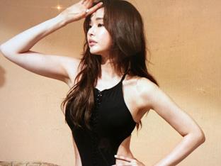 """이하늬 인증된 몸매! 섹시 수영복 사진 공개…허리라인 대박이잖아 """"매혹적인 표정"""""""