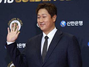 KBO, 2019 연봉 자료 발표..이대호 3년 연속 최고