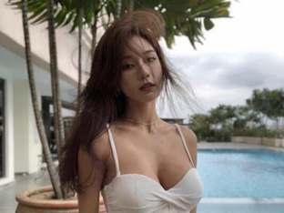 박시현의 매혹적인 비키니 자태