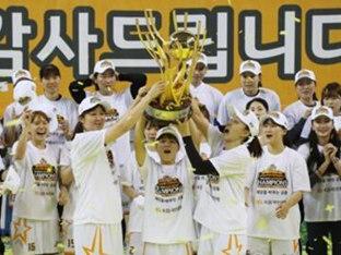 대기록 남긴 임영희·박지수…'기록풍년'