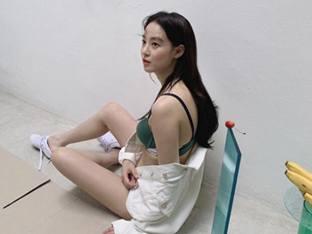 이주연, 언더웨어 화보 비하인드컷 공개 '섹시美 가득'