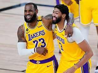 '새 역사 썼다' 르브론, 역대 최다 16번째 NBA팀 선정