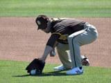김하성, MLB 샌디에이고 유니폼 입고 첫 공식 훈련