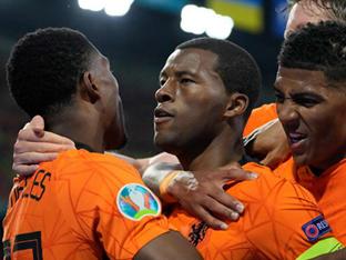[GOAL 리뷰] '바이날둠 선제골' 네덜란드, 우크라이나에 3-2 승리