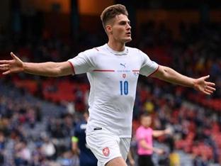[GOAL 리뷰] 쉬크 멀티골 체코, 스코틀랜드에 2-0 승. D조 선두 등극