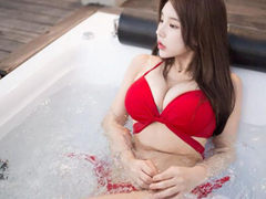 자연산 D컵녀 디슬이 비키니 셀카 몸매 인스타