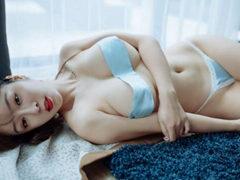 중국 유명 섹시 피팅모델 - 王语纯