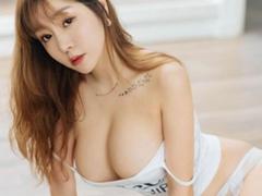 여신 王雨纯의 매혹적인 섹시함
