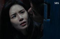 이보영, 칼 맞은 이상윤 구하려 '입막음 키스' (공포+설렘)
