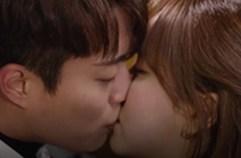 둘의 사랑은 여전히 굳건! 윤두준♥김소현 '키스'