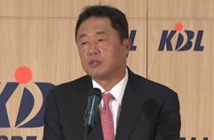 KBL, 전창진 KCC 감독 징계 철회...5년 만에 코트 복귀