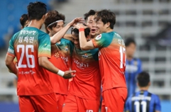 [하나원큐 K리그1] 5R 인천 vs 강원 하이라이트 | Incheon vs Gangwon Highlights (20.06.05)