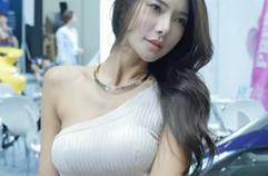 2017 서울오토살롱 레이싱모델 윤미진(Yoon Mijin)3 세로 by GC